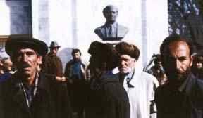 قاراباغ، شوشا - ایشغالدان 2 هفته اؤنجهکی چاشقینلیق - شوشا کولتور موزهسی اؤنو - بولبول ممدوو هئیکهلی - فئوریه 1992 -